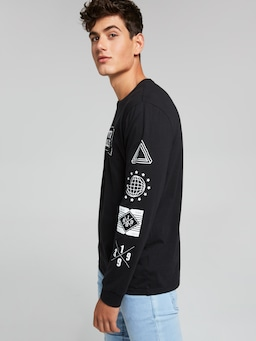 Urban Unlimited Long Sleeve Tee